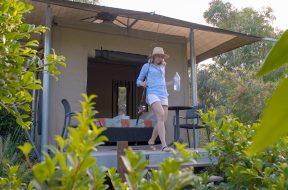 Campr-thumbnail-title-Moreton-Island-Glamping-websocial