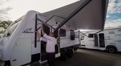 Campr-thumnail–Jayco-Silverline-Awning-WEBSOCIAL